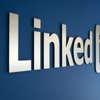 9 Tips to Up Your LinkedIn Game